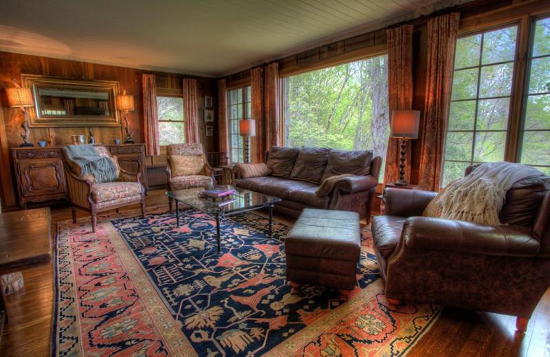 Rental living room at Yonder Luxury Vacation Rentals.