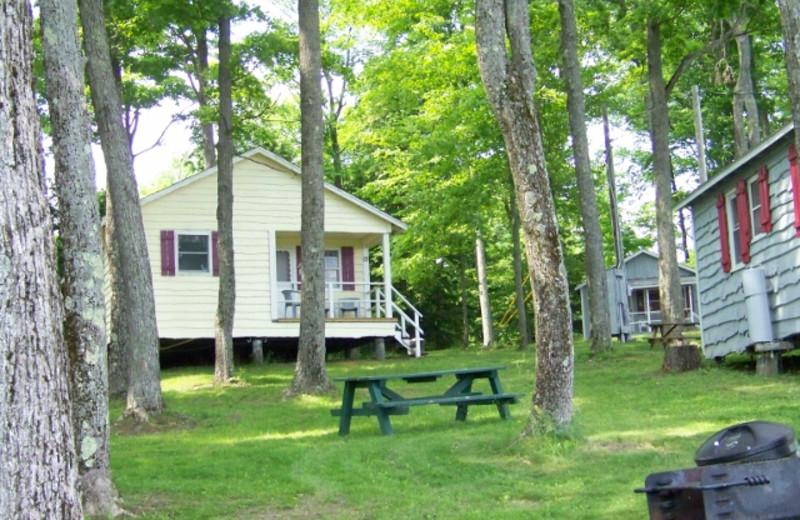 Cottage exterior view at Fieldstone Farm.