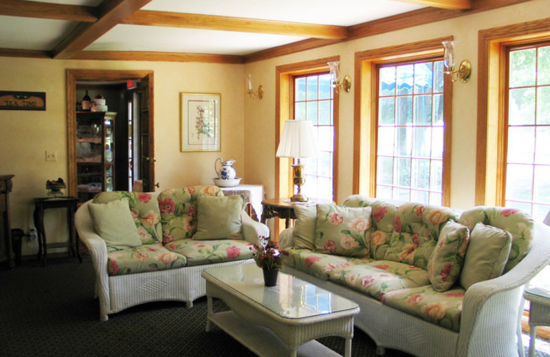 Lounge Area at the French Country Inn on the Lake