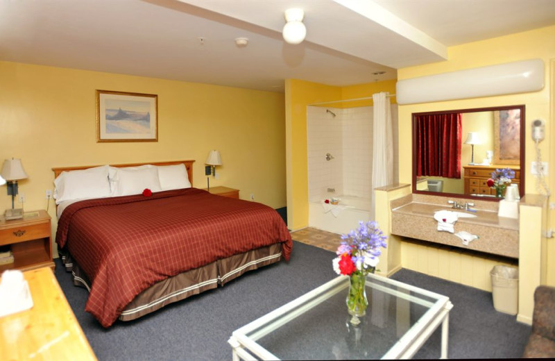 Guest room at Pacific View Inn and Suites Huntington Beach.
