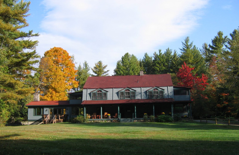Exterior view of Trails End Inn.
