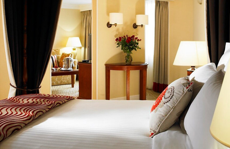 Guest room at Huntingdon Marriot Hotel.