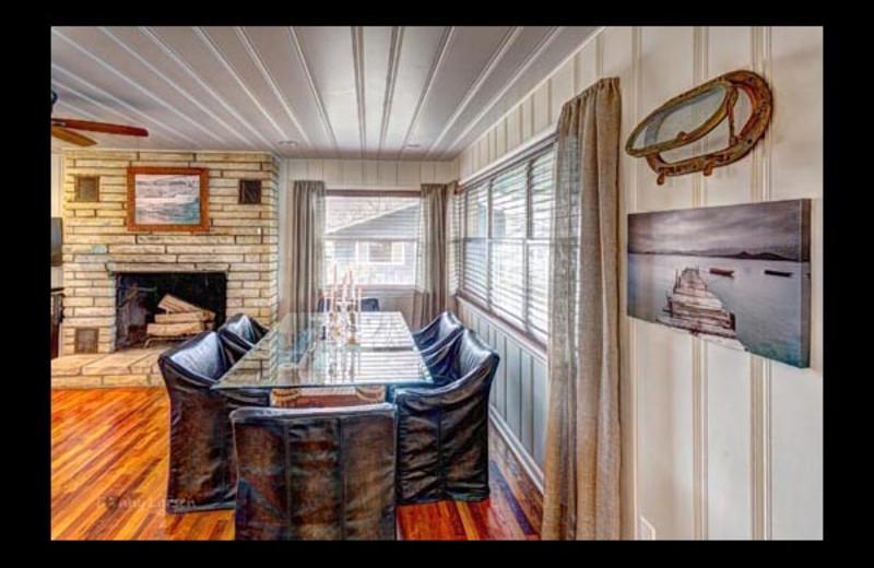 Cottage dining room at Mallard Point Resort.