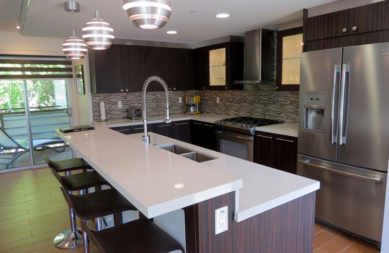 Suite kitchen at Random Haus.