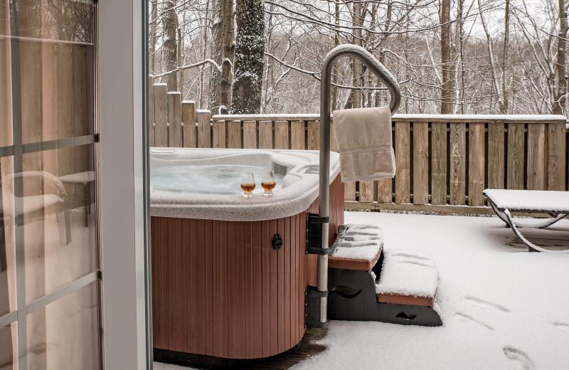 Guest hot tub at Glenlaurel, A Scottish Inn & Cottages.