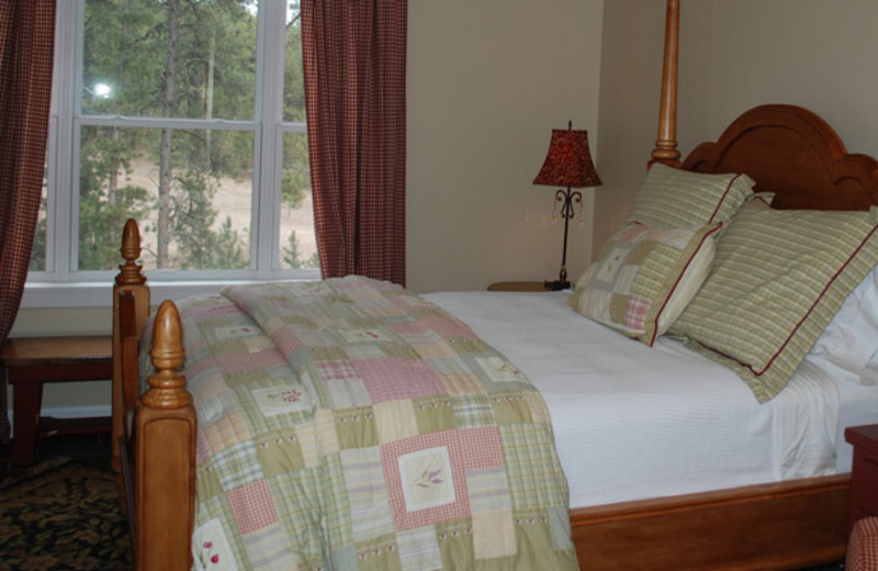Guest suite at Summer Creek Inn & Spa.