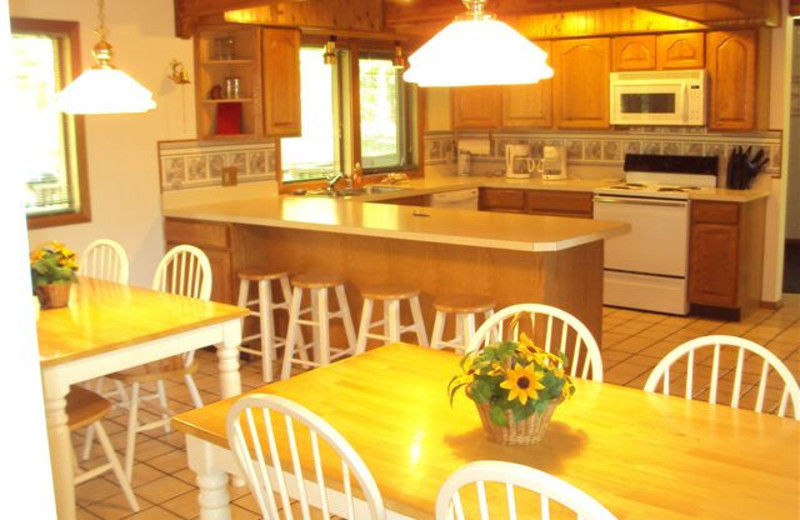 Cottage kitchen and dining room at Shawnee Bay Resort.