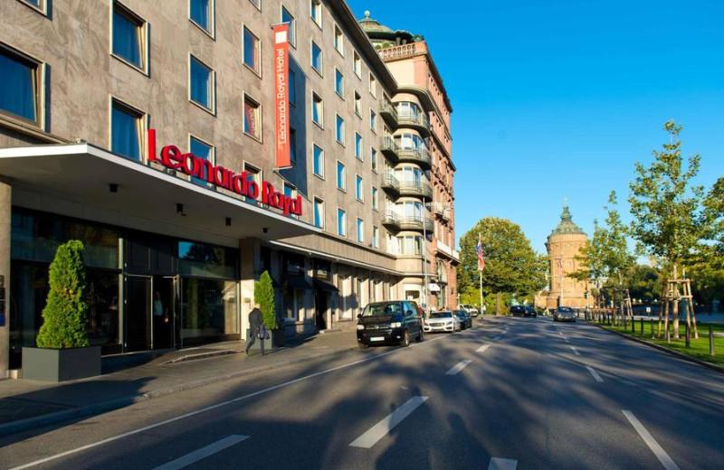 Exterior view of Leonardo Royal Hotel Mannheim.