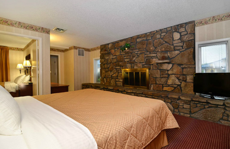 Fireplace Suite at Best Western Center Pointe Inn