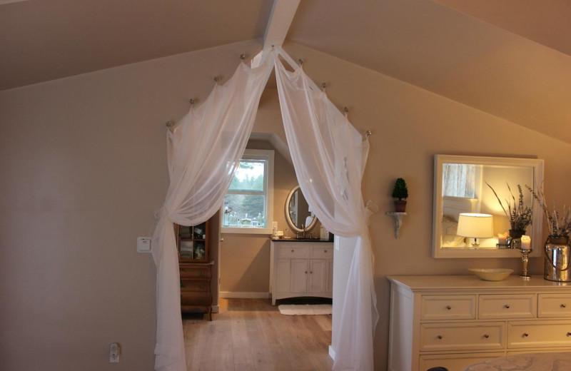 Guest room at Agate Cove Inn.