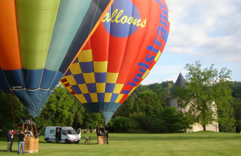 Castle hot air balloons at Luxury Castle Hire.