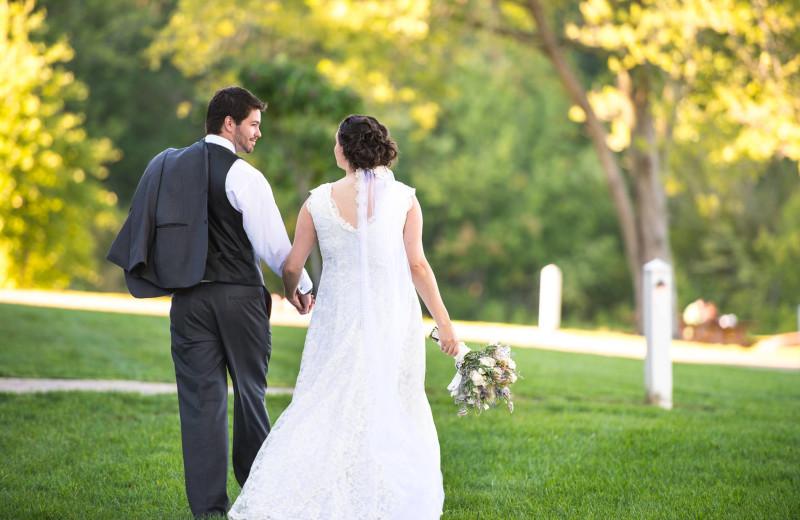 Wedding couple at Fourwinds Resort & Marina.