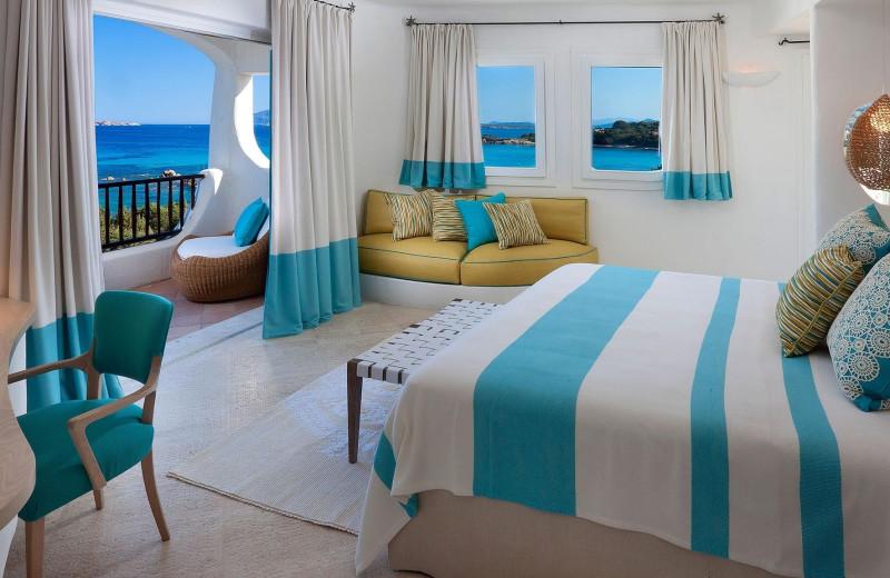 Guest room at Hotel Romazzino.