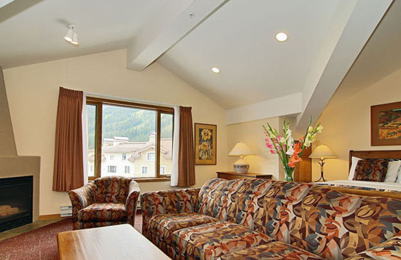Suite living room at Cahilty Lodge.