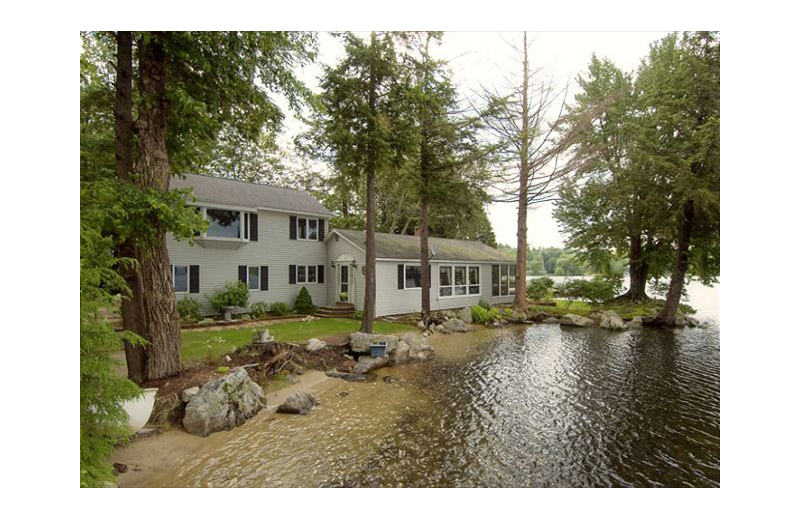 Exterior view of At the Lakes Vacation Rentals.