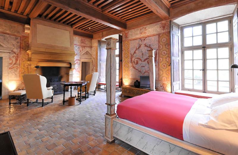 Guest room at Château de Bagnols.
