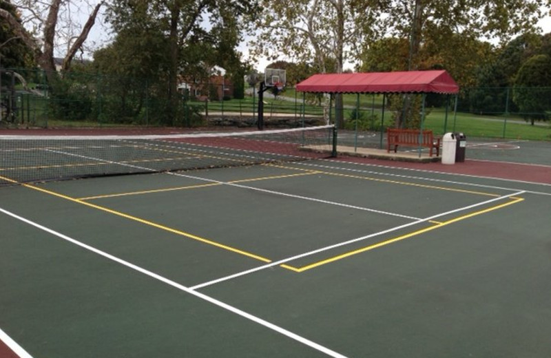 Tennis court at Lancaster DoubleTree Resort by Hilton.