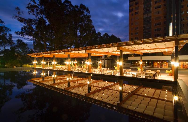 Exterior view of Hotel Oro Verde Cuenca.
