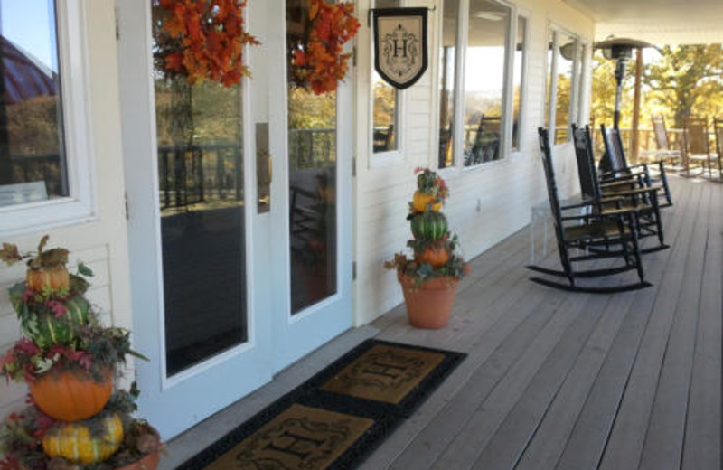 Front Entrance at Haven River Inn