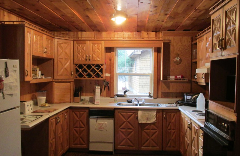 Kitchen at Absolute Outfitters Twin Pine Lodge.