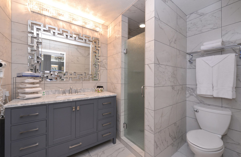 Guest bathroom at Abbey Inn.