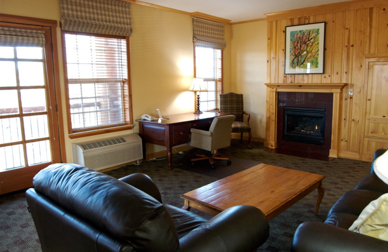 Suite living room at The Heathman Lodge.