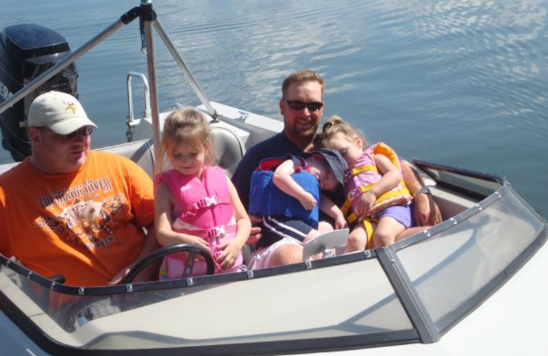 Boating fun at Tamarac Bay Resort.