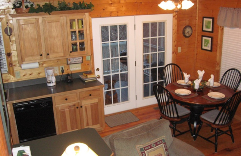 Cabin kitchen at Cabins at Highland Falls.