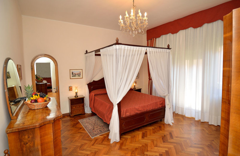 Guest room at Albergo Villa Albertina.