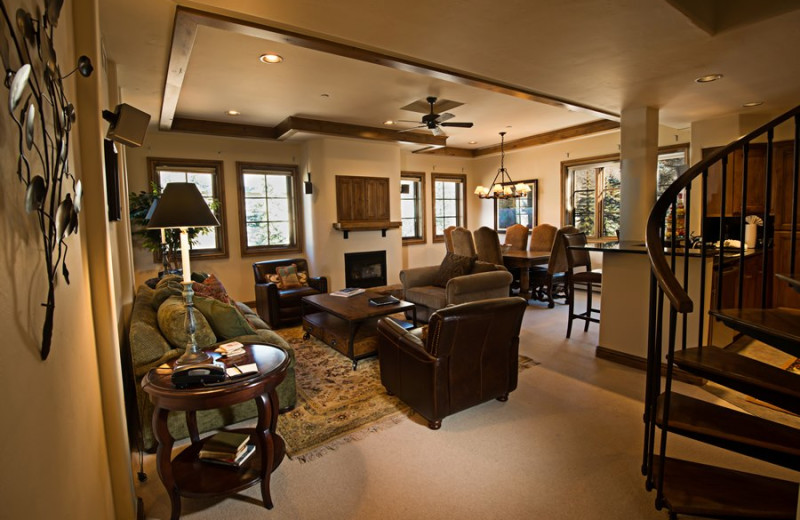 Fitzhugh Suite living room at Vail Mountain Lodge & Spa.