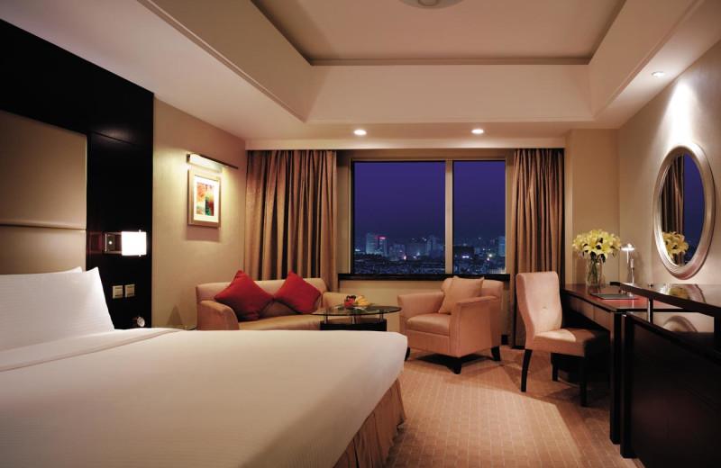 Guest room at Shangri-La Hotel-Changchun.