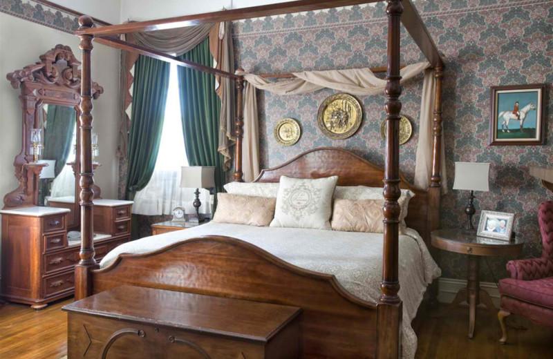 Guest room at Old Reynolds Mansion.
