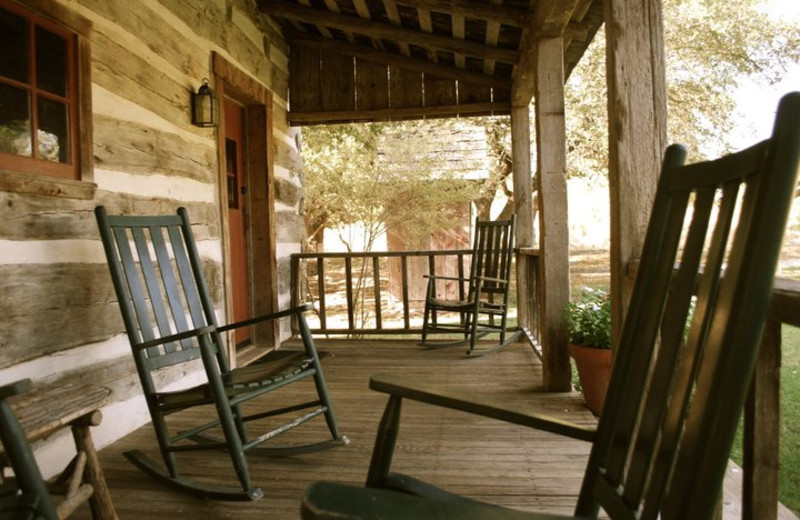 Cabin amenities at Settlers Crossing.