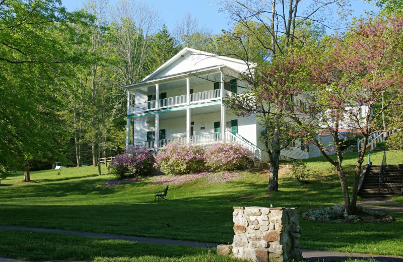 Exterior view of Capon Springs & Farms.