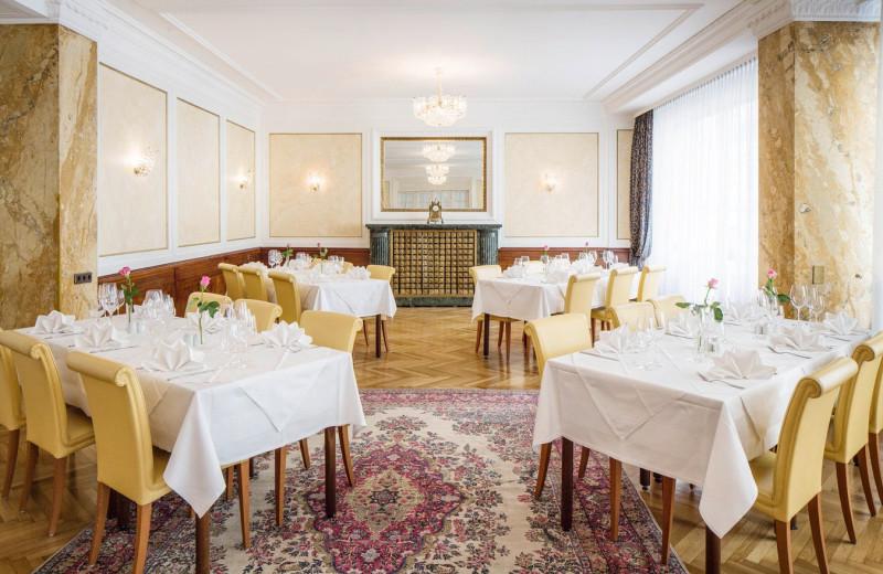 Dining at Hotel Astoria.