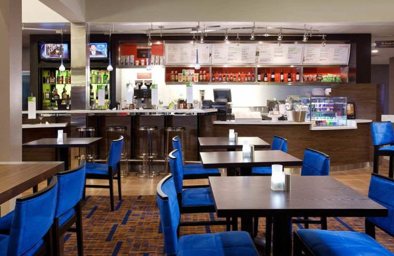 Dining at Courtyard by Marriott Phoenix Camelback.