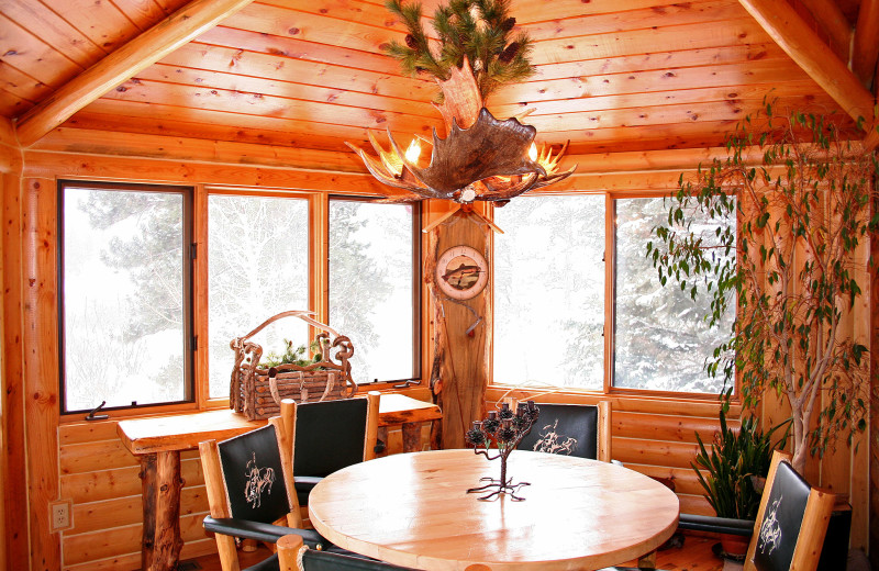 Chalet dining room at Timber Creek Chalets.