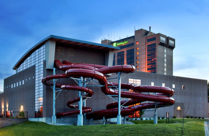 Exterior view of Sheraton Kansas City Sports Complex Hotel.