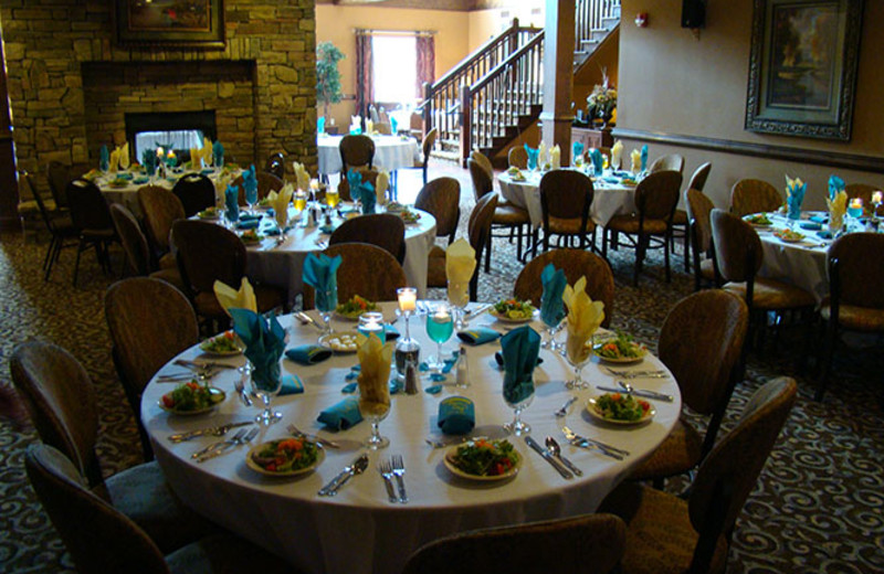 Dining at Mountain Lodge & Conference.