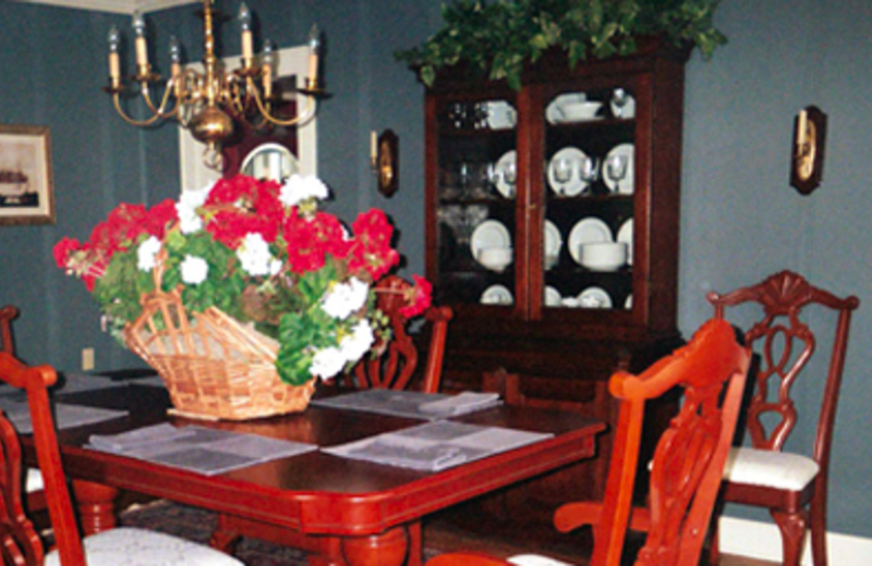Dining Table at Cottage at Long Haul