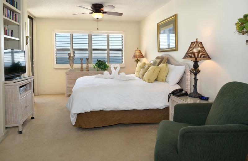 Guest bedroom at Nautilus Condominiums.