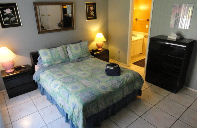 Guest bedroom at Bermuda Bay Resort.