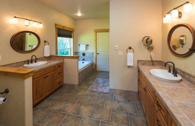 Rental bathroom at Sisters Vacation Rentals.