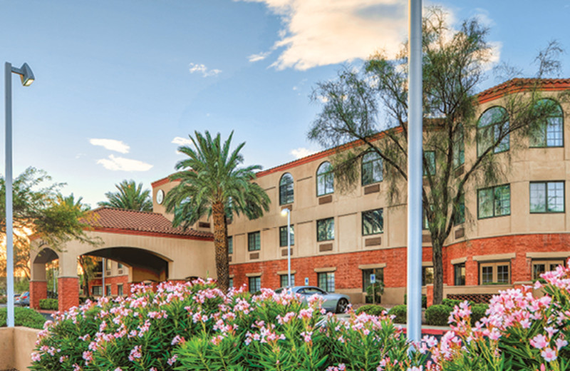 Exterior view of Varsity Clubs of America - Tucson Chapter.