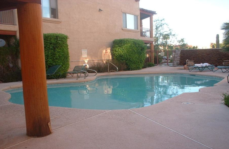 Outdoor pool at Fountain Hill Condo Rental.