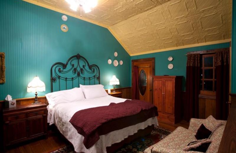 Guest room at Gruene Mansion Inn.