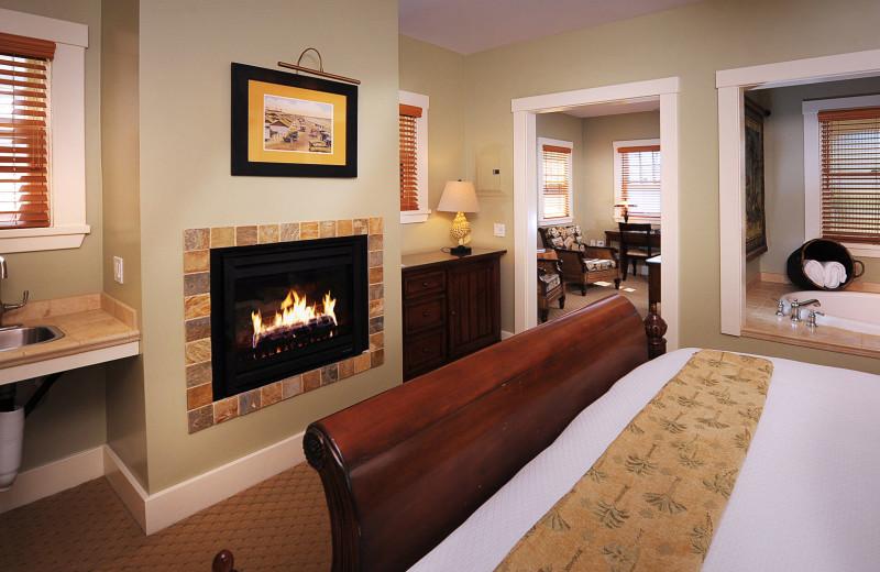 Guest room at 1906 Lodge At Coronado Beach.