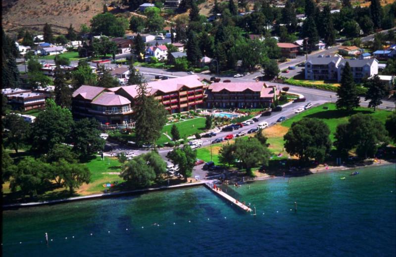 Aerial view of resort at Lakeside Lodge & Suites.