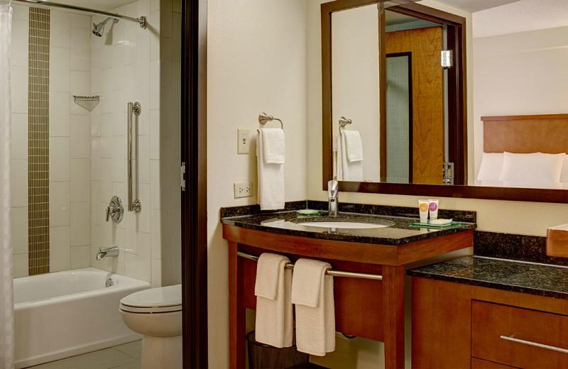 Guest bathroom at Hyatt Place Fort Worth Hurst.