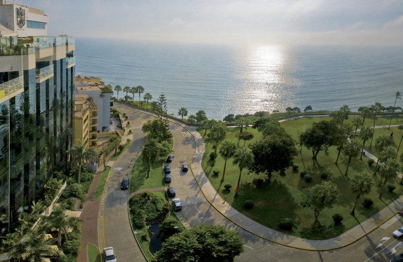 Exterior view of Miraflores Park Plaza.